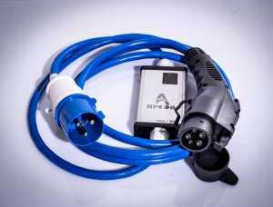 Amper 32A  - зарядная станция для электромобиля с переходником на домашнюю розетку